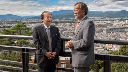 Prem Rawat with Dr. Masato Honma at The Kyoto University of Art and Design in 2016.